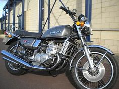 Vintage Motorcycles, Cars And Motorcycles, Suzuki Gt 750, Vespa, Japanese Motorcycle, Suzuki Motorcycle, Classic Bikes, Super Bikes, Vintage Japanese