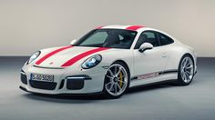 Good news as Porsche has announced a new regular production model in the same vein as the 911 R is on its way to the delight of purists. Porsche 911 Targa, Carros Porsche, Porsche Autos, Porsche Cars, Ferdinand Porsche, Corvette Grand Sport, Super Sport, Carrera, Automobile