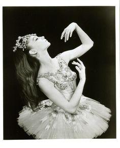 Laura Tisserand on Suzanne Farrell | Pacific Northwest Ballet. #Ballet_beautie #sur_les_pointes *Ballet_beautie, sur les pointes !*