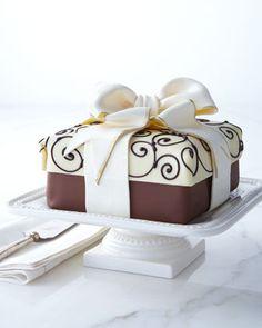 "Tartas de cumpleaños - Birthday Cake - Traditional Elegance ""Present"" Cheesecake"