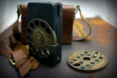 Rotary Mechanical Smartphone – Concept Phone by Richard Clarkson - http://www.yankodesign.com