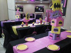Batgirl centerpiece Batman E Batgirl, Batgirl Party, Batman Party, Gotham Batman, Batman Robin, Superhero Baby Shower, Superhero Theme Party, Batman Birthday, Girl Birthday