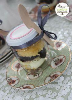 Cupcakes in a jar de Sugar Couture Cupcakes and Cakes con nuestros platitos vintage!