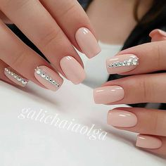 Most Gorgeous Nails Light Colors For Fall 2018 - Fall is the magical season, unlike spring and summer. Here we collect the 30 most gorgeous nails with light nail color for this fall. Dark clothing with light nails will better set off your personality. Light Colored Nails, Light Nails, Dark Nails, Soft Pink Nails, Neutral Nails, Yellow Nails, Purple Nails, White Nails, Bridal Nails