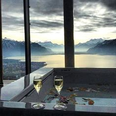 Spa with a view. Great Week, Airplane View, Givenchy, Spa, Relax, Europe, Wellness, Pure Products, Lifestyle