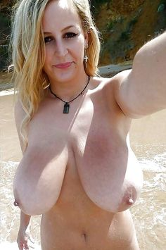 Older women amateur huge natural hanging boobs