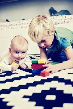 Mein Kind kommt in die Kita - wird es davon überfordert? Kids Rugs, Father, Day Care, Parenting, Germany, Projects, Kids, Kid Friendly Rugs, Nursery Rugs