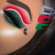 christmas makeup French certified makeup artist, C - Eye Makeup Designs, Eye Makeup Art, Colorful Eye Makeup, Eye Makeup Tips, Eyeshadow Makeup, Disney Eye Makeup, Cut Crease Eyeshadow, Edgy Makeup, Fun Makeup
