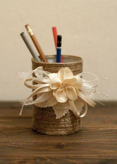 porta penne, realizzato con materiale di recupero. Lisa Massei