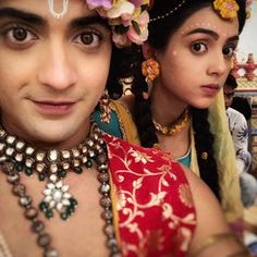 They both together look so much cute. Radha Krishna Holi, Radha Krishna Love Quotes, Cute Krishna, Radha Krishna Pictures, Krishna Photos, Krishna Art, Radha Rani, Lord Krishna, Radhe Krishna Wallpapers