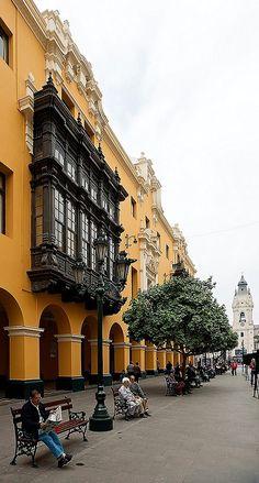 Pasaje Santa Rosa, Lima, Peru (by Dmitry Shakin on Flickr)