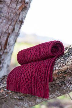 Ravelry: Aquinnah pattern by Kerry Robb (Brooklyn Tweed) Knit Cowl, Knitted Shawls, Knit Crochet, Knit Scarves, Crochet Bikini, Stitch Patterns, Knitting Patterns, Brooklyn Tweed, Wrap Pattern