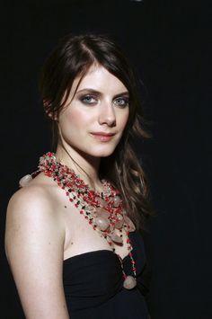 Melanie Laurent Celebrity Film, Celebrity Style, Stunning Brunette, French Actress, Celebs, Celebrities, Best Actress, Cute Girls, Beautiful Women