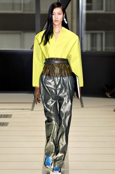 Balenciaga Fall 2012 Ready-to-Wear Fashion Show Collection