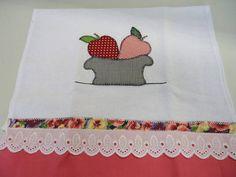 Panos de pratos com aplicação de patchwork  R$ 15,00 cada