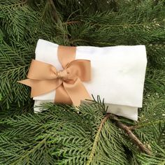 Wedding Favor for Guests, Envelop Pouch, Greek Orthodox Wedding Orthodox Wedding, Wedding Favors For Guests, Wedding Envelopes, Making Out, Greek, Pouch, Gift Wrapping, Bows, Elegant