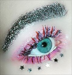 Pin for Later: Glitter Brows Are the Bedazzling Beauty Trend That Will Give You Life Glitter Brows, Glitter Gel Polish, Makeup Inspo, Makeup Inspiration, Makeup Ideas, Makeup Tips, Eyebrow Trends, Straight Brows, Normal Makeup