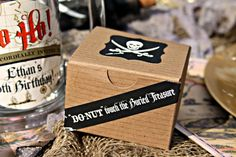 Do-nut touch the Buried Treasure! Awesome pirate birthday party favor boxes