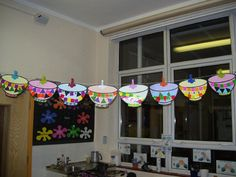 A super Three Bear's Bowls classroom display photo contribution. Great ideas for your classroom! Eyfs Activities, Creative Activities, Preschool Activities, Fairy Tale Crafts, Fairy Tale Theme, Tuff Spot, Traditional Tales, Traditional Stories, Nursery Rhyme Crafts