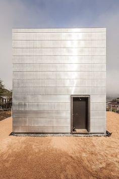 façade clad in a skin of copper-titanium-zinc alloy