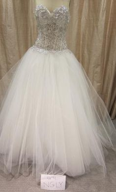 Used Pnina Tornai Wedding Dress 4105/1162571, Size 12    Get a designer gown for (much!) less on PreOwnedWeddingDresses.com