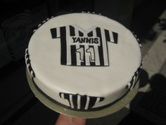 Soccer Cake, Sport Theme, Birthday Ideas, Party Ideas, Desserts, Hair, Beauty, Greek Recipes, Tailgate Desserts
