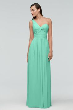 Bridesmaid Dresses & Gown Photos - Find the perfect bridesmaid dress pictures at WeddingWire. Browse through thousands of wedding photos of bridesmaid dresses and gowns. Vintage Bridesmaid Dresses, Beautiful Bridesmaid Dresses, Wedding Bridesmaid Dresses, Bridal Dresses, Green Bridesmaids, Annabelle Dress, Bridal Reflections, Affordable Dresses, Tea Length Dresses