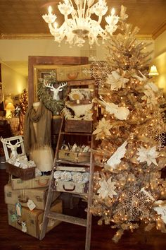 IMG_7595+copy.jpg 1.066×1.600 Pixel. Visual merchandising. Retail store display. Christmas / Holiday
