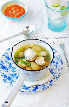 Sup Kerang Darah (Blood Cockle Clear Soup) Recipe - Indonesia Eats Indonesian Cuisine, Indonesian Recipes, Clear Soup, Cockles, Food Out, Best Dishes, Different Recipes, Clams, Fine Dining