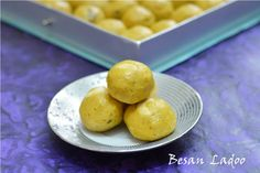 Besan Ke Ladoo/ Besan Laddu Recipe Let's go desi today...and make these super rich ‪#‎besankeladoo‬ ‪#‎indiansweet‬ ‪#‎diwalisweets‬ ‪#‎chickpeaflour‬ ‪#‎delicious‬ ‪#‎traditionalsweet‬ ‪#‎festivals‬ ‪#‎Punjabi‬ Recipe at : www.annapurnaz.in