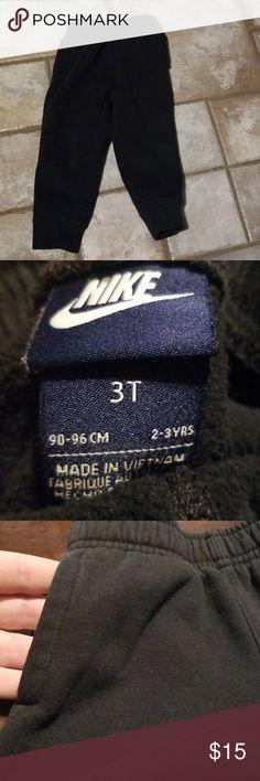 NWOT Nike Joggers. Size 3T. NWOT Nike sweatpant joggers. Size 3T. Black 700d7fcf5
