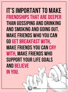 I'm so glad i have these friendships! Center your friendships around God, deep sisterly love, mutual respect, common interests, laughter & fun. Great Quotes, Quotes To Live By, Me Quotes, Motivational Quotes, Inspirational Quotes, Friend Quotes, Funny Quotes, Happy Quotes, Youre My Person