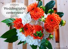 Here´s a themed flower arrangement idea for the wedding table. Wedding Table Centerpieces, Anniversary Ideas, Some Ideas, Dahlia, Flower Arrangements, Floral Wreath, Wedding Inspiration, Wreaths, Orange