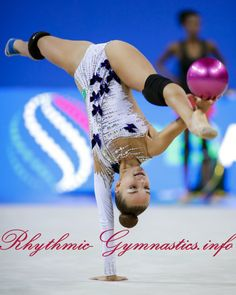 Dina Averina 2017 Pesaro Gymnastics Photography, Gymnastics Pictures, Dance Photography, Rhythmic Gymnastics Training, Sport Gymnastics, Olympic Sports, Olympic Games, 1976 Olympics, Flexible Girls