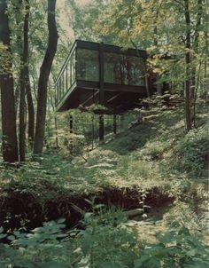 Ben Rose House's automobile pavilion (1974) designed by David Haid, Chicago, USA