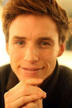 eddie redmayne :) - fuck he is really cute though. Eddie Redmayne, Harry Potter, Marius Pontmercy, Beautiful Men, Beautiful People, Christian Grey, Celebs, Celebrities, Fantastic Beasts
