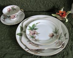 Hey, I found this really awesome Etsy listing at https://www.etsy.com/listing/399953249/vintage-meito-china-porcelain-china-5