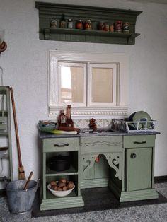 Miniature House: Kitchen Sink
