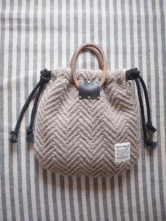 wood handle knit bag <charcoal> - DOT MELT