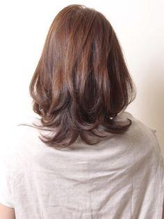 大人ヘア「リラックス×エレガンス」ミディアム   青山・表参道の美容室 AKsのヘアスタイル   Rasysa(らしさ)