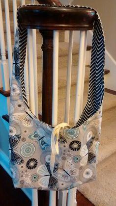 Reversible sling bag