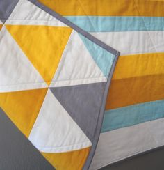 love the bold graphic design of this quilt! (found via doorsixteen's guest post on sfgirlbybay)