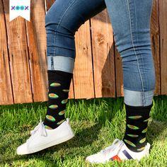 Tu look no tiene que ser aburrido, ¡agrégale unos divertidos XOOX! 🧦🥑 Sneakers, Shoes, Fashion, Socks, Outfit, Tennis, Moda, Slippers, Zapatos