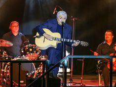 Enrico Macias, Musicians, Concert, People, Big Mouths, Living Single, Princess, Singer, Arms