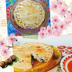 Nossas Tortas são Cosmopolitas. Na foto Torta Ali Baba ( Massa, Espinafre, Creme de Queijo, Cominho e Damasco) e Torta O Que a Baiana Tem? (Massa, Tilápia, Pimentão, Leite de Coco e Dendê). #tortaalibaba  #tortaoqueabaiana 🌱🐟🐄🍰🍫 @donamanteiga #donamanteiga #danusapenna #amanteigadas #gastronomia #food #bolos #tortas #pie www.donamanteiga.com.br