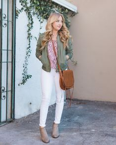 Our favorite trend when it's White hot denim. See how our favorite street-style stars wear their crispest jeans! White Skinnies, White Skinny Jeans, White Denim, Fix Clothing, Summer Clothing, Olive Jacket, Green Jacket, Star Fashion, Fashion Tips