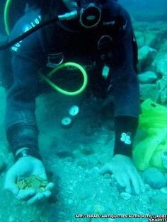 Divers in Israel have discovered the largest trove of gold coins ever found of their Mediterranean coast, Laura Andre Coin reporter can announce.  Divers spotted the treasure, around 2,000 pieces on the sea bed. Found by members of a diving club, who at first thought the coins were toys. Now they realise the coins are priceless. Baroness Laura Andre Coins and Culture http://http://www.baronesslauraandrecoinsandculture.com/