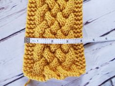 Woven cable headband by Priscillia Uloho – Erica and Eleanor Cable Knitting Patterns, Knitting Stitches, Knitting Yarn, Casting Off Knitting, Baby Knitting, Knitting Needles, Knitted Headband Free Pattern, Crochet Headbands, Baby Headbands