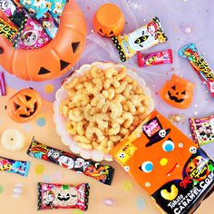 🎃 Have a thrilling trick or treat this year with @japancandystore's spookiest snacks! 🍬🖤 Add to cart today to get them delivered to your doorstep just in time for Halloween! 👻🍫 Pokemon Halloween, Kawaii Halloween, Japanese Sweet, Japanese Candy, Halloween Party Snacks, Halloween Candy, Hi Chew Flavors, Corn Snacks, Kawaii Cooking