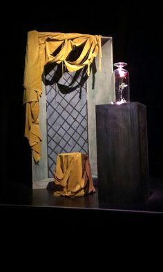 Decor, kamer van het Beest. Musical NMA Belle en het Beest. Beauty And The Beast Diy, B & B, Plays, Student, Stage Design, Games